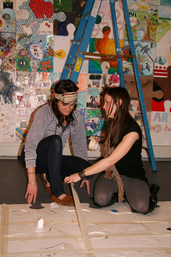 puzzle project ny1 in rivers gallery tim kelly artist nyc collaborative project